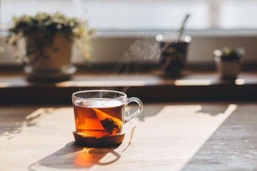 Verminder stress, drink thee